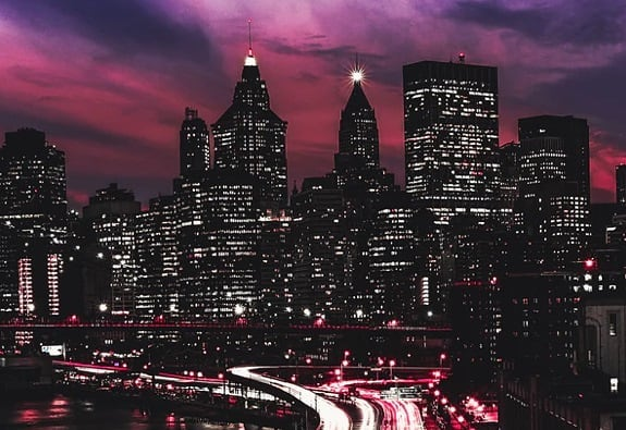 Nothing beats the beautiful NYC skyline on a crisp winter night. See New York illuminated from above like never before! The perfect start to a new year. See the lights of Times Square while flying above Central Park. View the iconic Empire State State Building, One World Trade and the Statue of Liberty illuminated in an unforgettable experience. Book today – link in bio 🚁