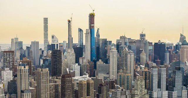 The #NYC skyline is always constantly evolving! Come capture the 2019 views! . . . . . #skyline #construction #travel #viagem #viajar #viaggi #voyage #reisen #путешествия #旅 #旅行